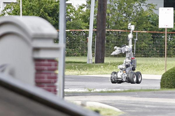 德州狙擊手襲警案 美開先例用炸彈機械人