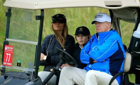川普与妻子及巴伦。(David Cannon/Getty Images)