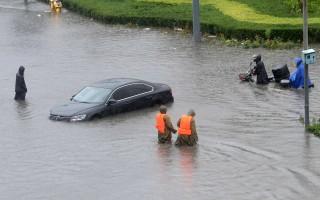 組圖:北京暴雨圍城 預警連升三級