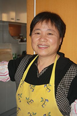 杨臻的妈妈,法轮功学员张红茹2016年五月被警察非法抓捕,关押至今。(杨臻提供)