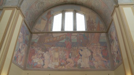 洛杉磯中央圖書館二樓迪恩.康威爾(Dean Cornwell)的大型壁畫。(劉寧/大紀元)