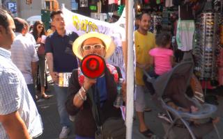 曼哈顿摊贩游行 抗议警察开罚单太多