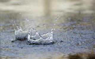 墨尔本雷暴大雨成灾 北区惊现天坑直径10米