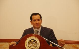华人女婿加州众议院长谈入室窃案增