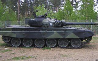 印度在中印边界军演 增派近百辆坦克