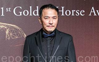 """台湾知名演员戴立忍,因为被大陆共青团贴上""""台独""""的标签,在大陆影星赵薇执导的新片《没有别的爱》中的角色被撤换。(陈柏州/大纪元)"""