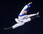 """第七届""""全世界中国古典舞大赛""""8月1日在台北举行,少年男子组选手上场表演。少年男子组翁梓恒初赛风采。(白川/大纪元)"""
