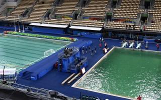 奥运池水染绿 当局亡羊补牢保证蓝回来
