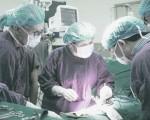 国际器官移植协会(TTS)前任及现任主席,被揭与大陆涉嫌活摘器官的湖南长沙湘雅三医院有利益关系。图为湘雅三院医生进行器官手术。(网络图片)