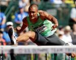 美國十項全能名將伊頓(Ashton Eaton)在17日的前5個單項比賽之後,以4621分的總成績暫時領先群雄。伊頓是2012倫敦奧運十項全能金牌得主,同時也是9045分的世界紀錄保持人,若能成功衛冕,他將成為奧運32年來的第一人。 (Andy Lyons/Getty Images)