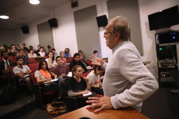 為什麼美國大學教授多是民主黨人?
