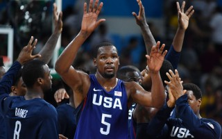 美国梦幻队力克西班牙 奥运决战塞尔维亚