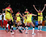 RIO DE JANEIRO, BRAZIL - AUGUST 20:  China celebrates after the Women's Gold Medal Match between Serbia and China on Day 15 of the Rio 2016 Olympic Games at the Maracanazinho on August 20, 2016 in Rio de Janeiro, Brazil.  (Photo by Buda Mendes/Getty Images)