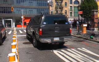 左转路口车祸多 纽约市府将新增安全设施