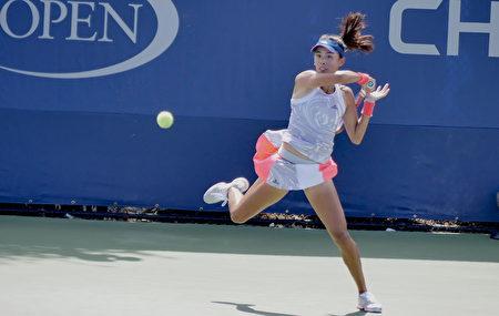 中国选手王蔷在比赛中。