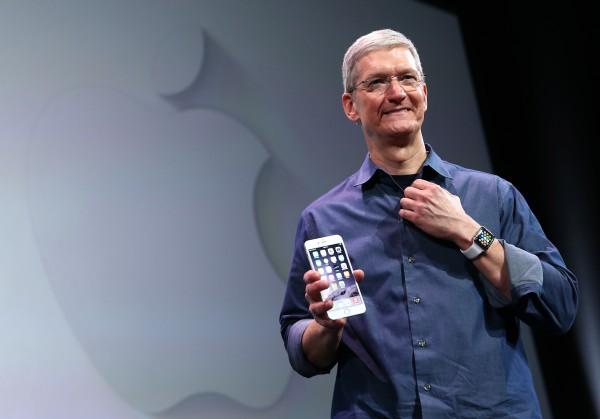 蘋果公司率先在8月初衝上市值1兆美元的歷史里程碑。(Justin Sullivan/Getty Images)