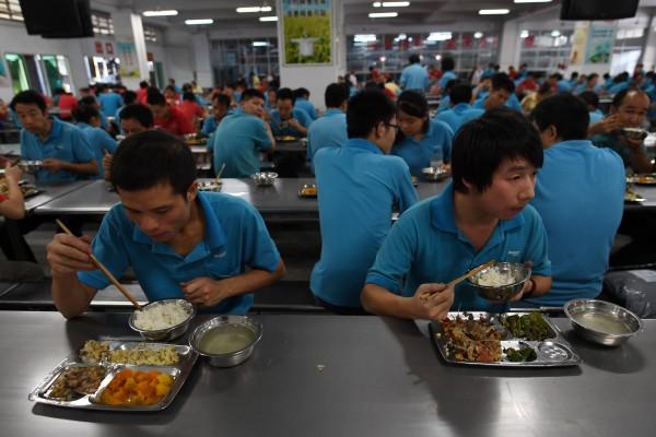 壯年職場悲歌 中國大批逾35歲男性沒人要