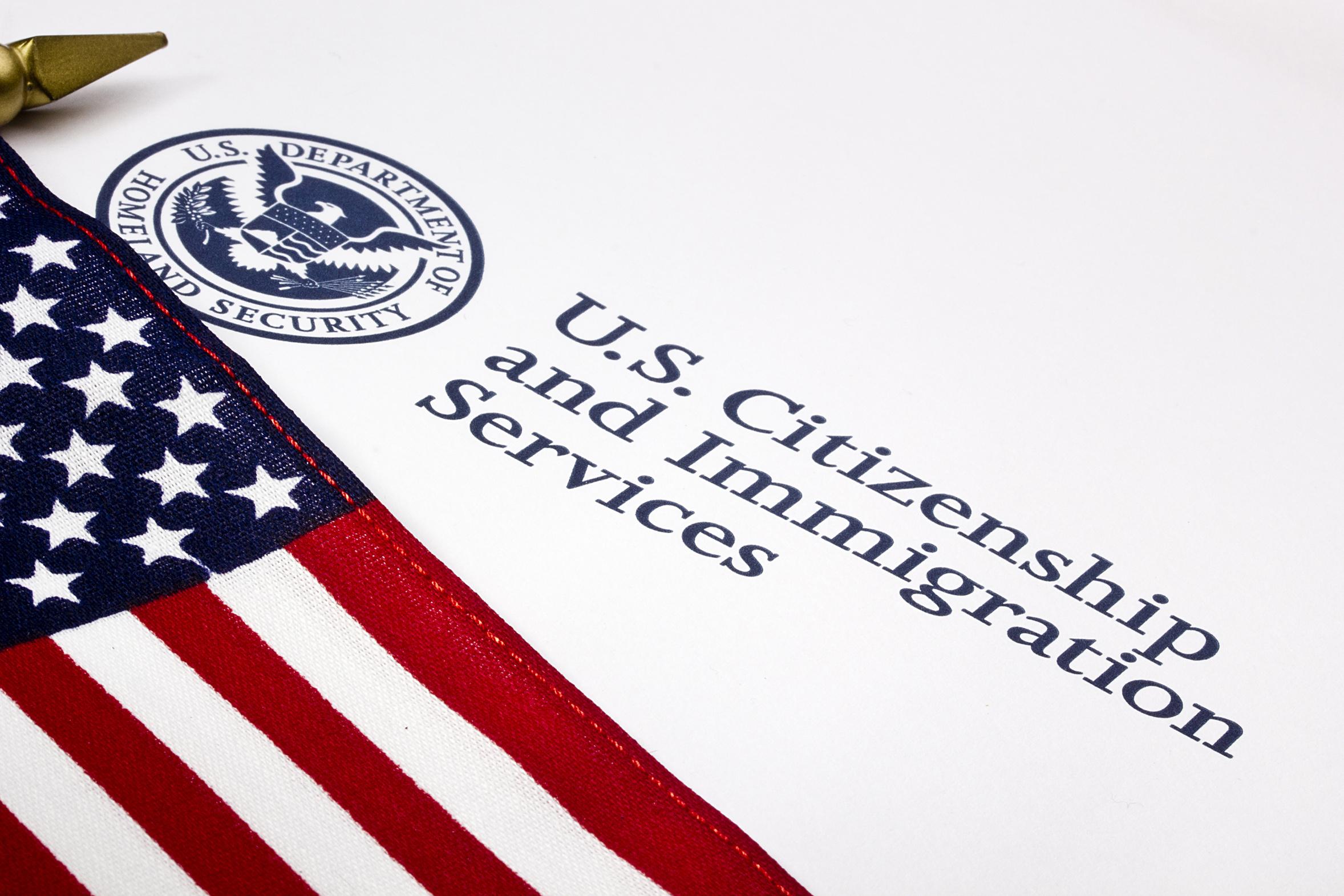 特朗普政府擬進一步限制移民 或限H-1B等簽證