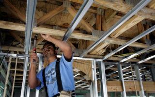 美就業機會續增 去年350萬人脫離貧困