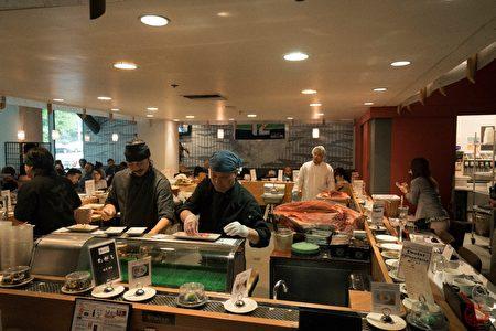 一流的厨艺和鲜美的食材,让天寿司每天客似云来。(天寿司提供)