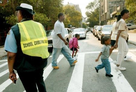 開學前,家長須幫孩子查好自家所屬學校,及時註冊。