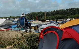 法国面临难民危机 加莱难民激增