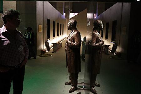 非洲裔美國人歷史和文化史密森國家博物館。奴隶雕塑。(Chip Somodevilla/Getty Images)
