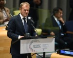 9月19日,聯合國在紐約召開史上第一次難民和移民峰會,以因應二次大戰後最大難民危機。圖為歐洲理事會主席圖斯克在發言。(TIMOTHY A. CLARY/AFP/Getty Images)