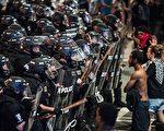 斯科特被槍殺後,北卡州夏洛特市持續數天爆發暴力抗議。(Sean Rayford/Getty Images)