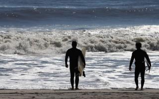 美冲浪板制造商将工厂迁出中国