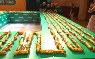 290米! 紐約「最長熱狗串」創吉尼斯記錄
