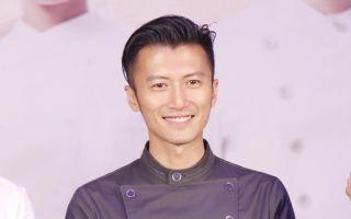 谢霆锋杨紫琼非洲学烹饪 遭长颈鹿抢盘中餐