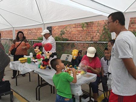 华商会办小儿医疗咨询亲子活动。