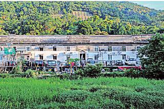 在香港沙田狮子山附近有一个面积达6,000多呎的围村建筑——曾大屋,是仅存的最大客家式大宅。(宋祥龙/大纪元)