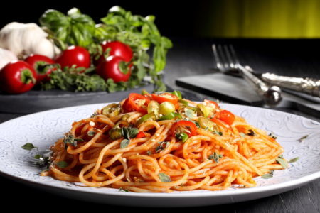 考古学家发现,意大利面条并非源自意大利,最早的面条是中国人4000年前创造的。(Fotolia)