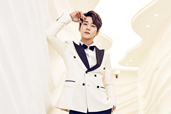 黄致列获韩国总统颁奖 亚洲巡演下月登台