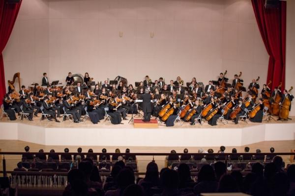 2016年10月2日,神韵交响乐团在高雄师范大学演艺厅的音乐会,热力延续整个周末。(郑顺利/大纪元)