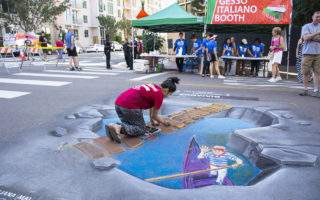 圣地亚哥意大利文化节街道粉笔画亮眼