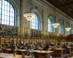 纽约公共图书馆玫瑰阅览室(Rose Reading Rom)经过两年的整修,于2016年10月5日重新对读者开放。(Dominick Reuter/Getty Images)