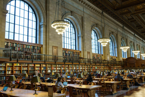 """纽约百年""""玫瑰阅览室""""6万藏书归位迎客"""