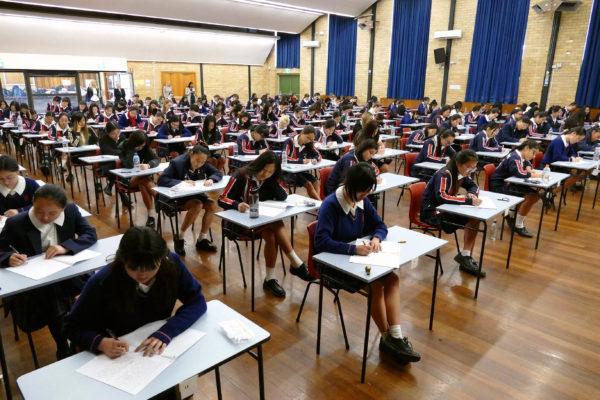 澳大利亞新州HSC開考  7.7萬考生參加