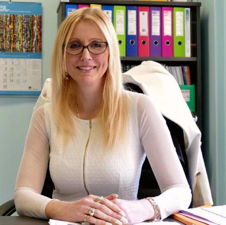 悉尼南區高嘉華精英公立中學St. George Girls High School副校長Pamela Abson女士表示,學校在備考階段做了很多工作幫助學生,使他們考試中發揮出自己的水平。(安平雅/大紀元)