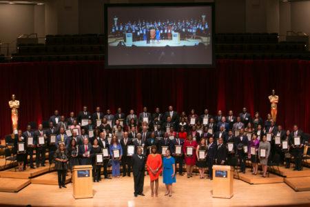 """9月30日(周五)晚,第九届美国首都地区""""少数族裔100强企业家""""颁奖典礼在马里兰隆重举行。本年度百家杰出企业家经由严格的审核和评选,从近五千位被提名者中脱颖而出,覆盖美国首都华盛顿DC、马里兰州和维吉尼亚州。(李莎/大纪元)"""