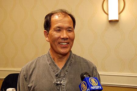 Sandl公司代表李香萬表示,慶南產植物性魚油奧米茄-3含量高達63%,為同類產品中世界最高水平。(約克/大紀元)