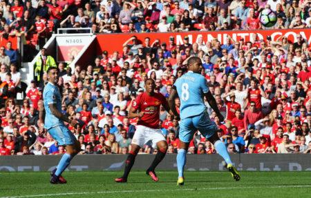 替补上场的马夏尔(中)为曼联打进唯一进球瞬间。 (Brunskill/Getty Images)