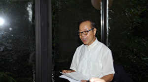 《民報》總主筆劉志聰在媒體座談會上演講。(倪爾森/新唐人)