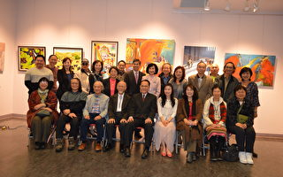 加西台灣藝術家舉辦「美的驚豔」畫展