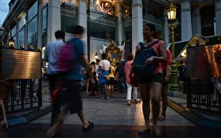 不怕寨卡疫情 大批中国游客涌入泰国