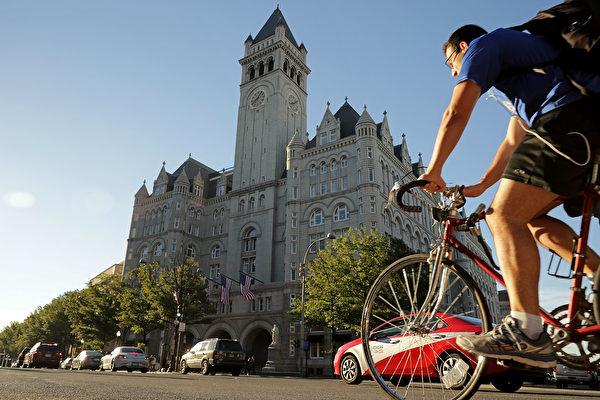 就在白宮旁 特朗普國際酒店正式開業