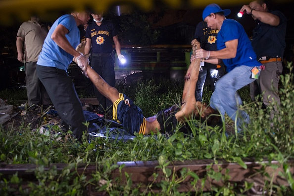 杜特爾特自6月30日上台以來,已有超過3100人喪生,大多是吸毒者和販毒者。(TED ALJIBE/AFP/Getty Images)